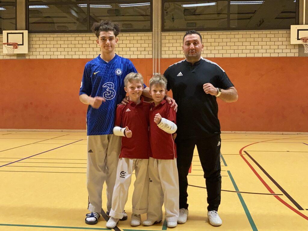 """Bergische Löwen"" v.l.n.r. - Ege Cinar, Maximilian-Etienne & Luca Gottschalk, Kemal Cinar - Taekwondo Sportschule Cinar - Wuppertal"